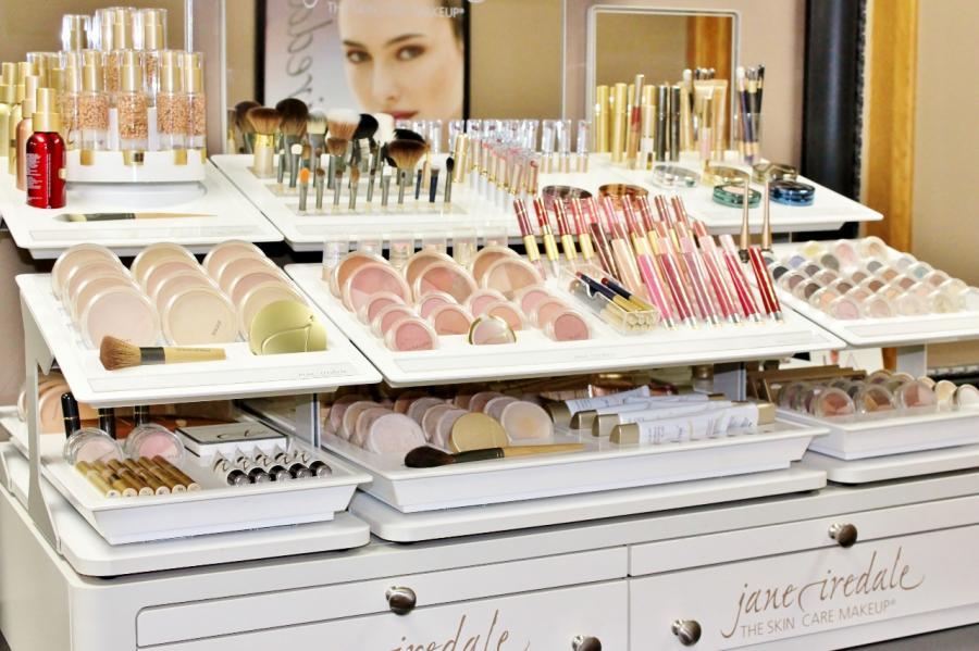 Jane Iredale Mineral Makeup Broad